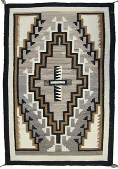 Navajo Rug : Outstanding Navajo Earth Tone Two Grey Hill Rug Native American Rugs, American Indian Art, American Indians, Navajo Weaving, Navajo Rugs, Weaving Tools, Weaving Textiles, Muted Colors, Earth Tones