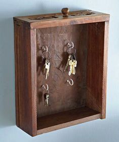 Old dresser drawers can be repurposed into a functional key holder! Repurposed Items, Repurposed Furniture, Diy Furniture, Old Drawers, Dresser Drawers, Wooden Drawers, Old Keys, Diy Casa, Ways To Recycle