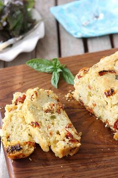 Caprese Olive Oil Bread with Sun-Dried Tomatoes, Bocconcini & Basil Recipe | cookincanuck.com