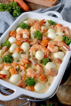 Sipo Egg is part of food-recipes - Quail eggs with shrimps, ham,carrots, green peas and singkamas or mexican turnip in a thick creamy white sauce Shrimp Recipes, Egg Recipes, Asian Recipes, Cooking Recipes, Healthy Recipes, Ethnic Recipes, Filipino Vegetable Dishes, Pinoy Food Filipino Dishes, Cooking
