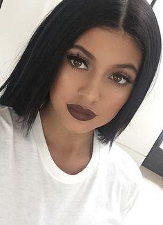 dark brown lips