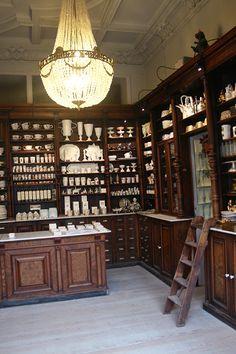Kuhn Keramik Store is an old pharmacy in Berlin. Retail Interiors