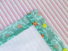 A bright tutorial on binding a corner. Also has a little general binding info. Dish Towels, Hand Towels, Tea Towels, Dish Towel Crafts, Fabric Crafts, Sewing Crafts, Sewing Projects, Quilting Projects, Kitchen Towels