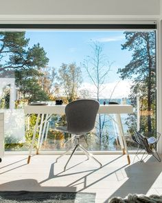 Home office with a seascape view. Floor to ceiling windows bring lot of natural light into the space. Dream Home Design, Home Office Design, House Design, Office With A View, Office Images, Scandi Home, Office Floor, Floor To Ceiling Windows, Next At Home
