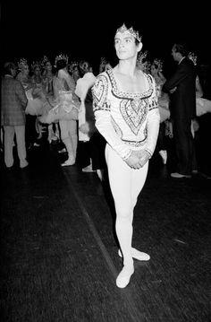 Rudolf Nureyev, Margot Fonteyn, Male Ballet Dancers, Svetlana Zakharova, Ballet Beautiful, Pointe Shoes, Black Swan, Fashion History, Bad Boys
