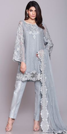New Party Dress Pakistani Salwar Kameez Indian Fashion 53 Ideas Pakistani Party Wear, Pakistani Couture, Pakistani Dress Design, Pakistani Outfits, Indian Outfits, Pakistani Fashion Casual, Punjabi Fashion, Pakistani Designers, Best Party Dresses