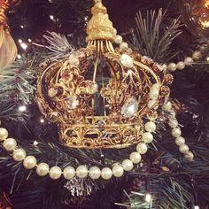 #lorelintheworld #merrychristmas #buonnatale #pearls #crown