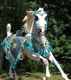 17 Best images about Arabian Costume Arabian Horse Costume, Horse Costumes, Arabian Costumes, Cavalo Wallpaper, Beautiful Arabian Horses, Breyer Horses, White Horses, Horse Breeds, Horse Photography