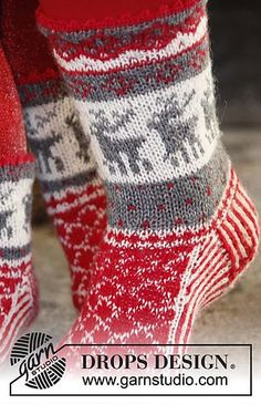 "Christmas Stampede - DROPS Christmas: DROPS socks in ""fable"" with Norwegian . Christmas Stampede – DROPS Christmas: DROPS socks in ""fable"" with Norwegian …, # Knitting Charts, Knitting Patterns Free, Free Knitting, Baby Knitting, Free Pattern, Amigurumi Patterns, Crochet Patterns, Crochet Christmas Stocking Pattern, Knitted Christmas Stockings"