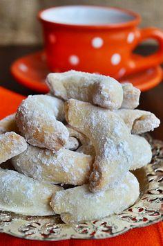 Gabriella kalandjai a konyhában :): Csodakifli - szilvalekvárral töltve Baked Ribs, Biscotti Cookies, Small Cake, Rib Recipes, Cookie Desserts, Churros, Sweet Life, Christmas Cookies, Biscuits