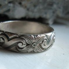 Bold sterling silver pattern band ring por tinahdee en Etsy