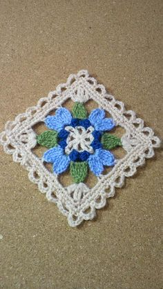 ポンポンゴムの画像 | 野の花手芸噺 çiçekli kare motif örneği