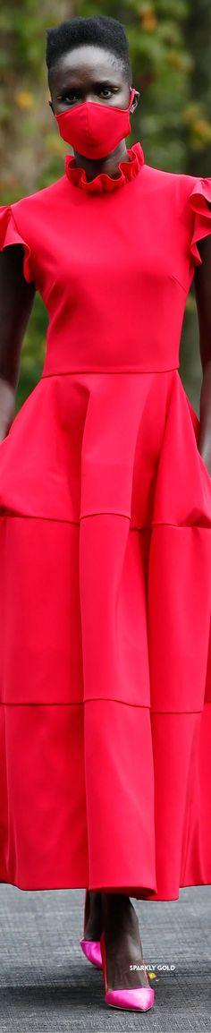 Christian Siriano Spring 2021 RTW #SparklyGold ❀ Christian Siriano, Red Fashion, Peplum Dress, Spring, Collection, Dresses, Vestidos, Peplum Dresses, Dress