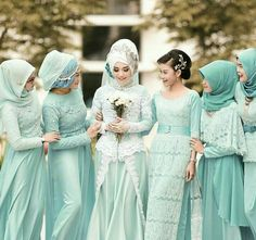 They seem so young. Muslimah Wedding Dress, Hijab Style Dress, Muslim Wedding Dresses, Dress Wedding, Hijab Bride, Wedding Hijab, Kebaya Muslim, Muslim Dress, Lace