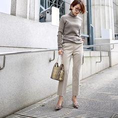 Office Fashion Women, Work Fashion, Daily Fashion, Fashion Looks, Womens Fashion, Foto Instagram, Casual Chic Style, Office Outfits, Minimal Fashion