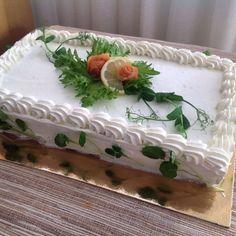 Lax sandwichcake, lohivoileipäkakku Sandwich Cake, Sandwiches, Savoury Baking, Picnic, Tray, Desserts, Food, Decor, Tailgate Desserts