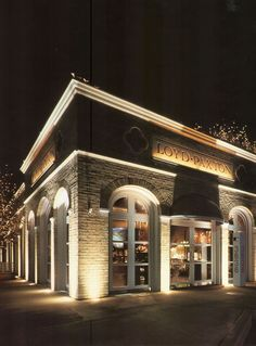 Exterior facade light. Inground uplight