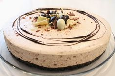 Baileys juustokakku, kermaliköörijuustokakku Sweet Desserts, No Bake Desserts, Finnish Recipes, Let Them Eat Cake, Baking Recipes, Cake Decorating, Sweet Treats, Good Food, Food And Drink