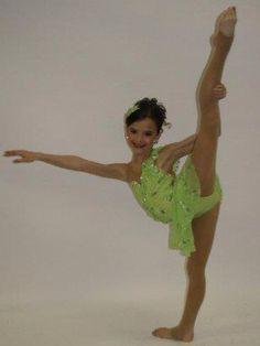 Inspirational 13 Yr Old Dancer Brooke Beyonce Dancers, Dance Moms Dancers, Dance Moms Girls, Dance Moms Brooke, Dance Moms Funny, Mom Season 1, Dance Moms Season, Brooke And Paige Hyland, Salsa Dress