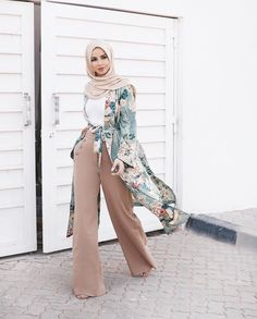 Wide leg pants with floral mint kimono - check out: Esma <3