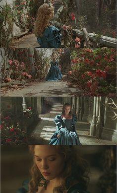 La belle et la bête (2014)  Léa Seydoux, Belle's blue gown