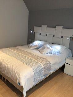 Tête de lit tetris 1200€ Bed, Furniture, Home Decor, Headboards, Home Furnishings, Interior Design, Home Interiors, Decoration Home, Beds