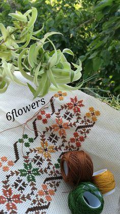 Cross Stitch Love, Cross Stitch Borders, Cross Stitch Flowers, Cross Stitch Charts, Cross Stitch Designs, Cross Stitching, Cross Stitch Patterns, Hand Embroidery Videos, Ribbon Embroidery