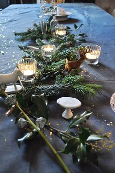 Christmas TableScape. I just have a thing for Christmas. Apparently. I think in Paris, France, I may have even more of a thing for it. Just look at that table!