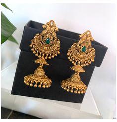 Gold Jhumka Earrings, Gold Bridal Earrings, Jewelry Design Earrings, Gold Earrings Designs, Antique Earrings, Peacock Earrings, Necklace Designs, Gold Necklace, Drop Earrings