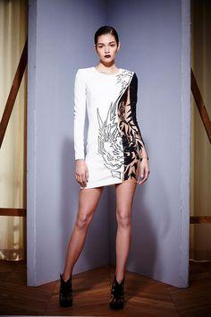 vestido corto blanco y negro estampado
