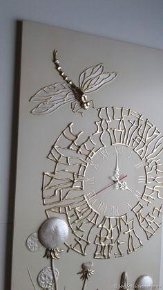 Clock for home handmade. Clock bas-relief on . Clock Art, Diy Clock, Diy Wall Art, Diy Art, Hot Glue Art, Art Decor, Home Decor, Diy Decoration, Wall Sculptures