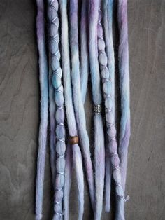 Hey, diesen tollen Etsy-Artikel fand ich bei https://www.etsy.com/de/listing/229946723/10-honeysuckle-tie-dye-wool-synthetic