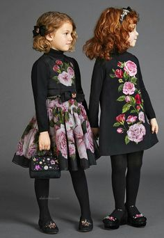 "One of the season's biggest trends - the ""frumpy"" bedspread floral, receives a cutie spin thanks to the classic silhouette (one that's universally flattering) from the Dolce&Gabbana. Little Girl Outfits, Little Girl Fashion, Little Girl Dresses, Kids Outfits, Kids Fashion, Girls Dresses, Dolce And Gabbana Kids, Dolce & Gabbana, Top Mode"