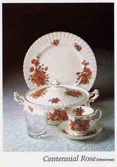 Centennial Rose – Official 1979 Catalog Photo Created especially for Canada's Centennial in 1967 the pattern was discontinued in 1981 Reddish pink roses bouquet on a bright white bone china with a thin gold trim Lavender Roses, Pink Roses, Pink Rose Bouquet, China Sets, Homer Laughlin, Plates And Bowls, Royal Albert, Fine China, Tea Set