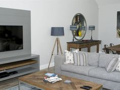 The Fernkloof Fairways Villa is newly built, and offers generous two-bedroomed self-catering accommodation in the heart of Hermanus, one of South Daily Cleaning, Cleaning Service, Mountain View, Cape Town, South Africa, Catering, Beach House, Destinations, Villa