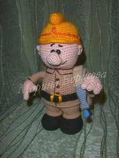 Firefighter - free pattern in Russian (see my Crochet Stitches board for the Russian to English Conversion)