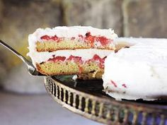 Strawberry Shortcake Cake with cream cheese frosting!!! Hello, Easter dinner! {recipe from the Pioneer Woman's cookbook}