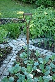 Round garden with stepping stones