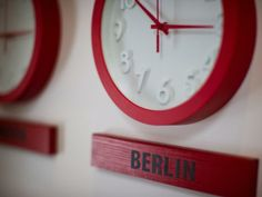 Clocks with different time zones - a must when I start decorating this fall.  Will include St. Thomas and Paris for sure!