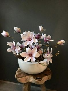 Just thought we should see if you can take it first Ikebana Flower Arrangement, Silk Flower Arrangements, Flower Vases, Flower Art, Silk Flowers, Paper Flowers, Beautiful Flowers, Art Floral, Outdoor Fotografie