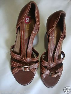 New What's What by Aerosoles Women's Strappy thick heels Open Toe Size 9 sz 9  $15