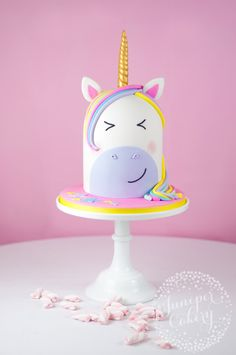 Cute unicorn cake tutorial by Juniper Cakery