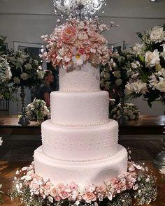 Fascinating Four Tier Wedding Cake | wedding | Pinterest | Wedding ...