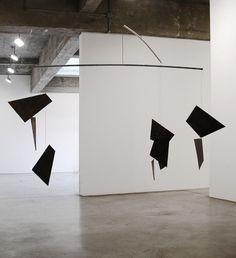 Alexander Calder and Contemporary Art: Form, Balance, Joy / Images