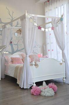 Lit Baldaquin – lit princesse – lit blanc – Atelier Magique