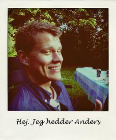 Til inspiration: Tjek Anders Schäffner Jacobsen Online CV ud, det er lækkert og anderledes lavet.