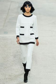 Chanel Spring 2014 RTW - Review - Fashion Week - Runway, Fashion Shows and Collections - Vogue#/collection/runway/spring-2014-rtw/chanel/13#/collection/runway/spring-2014-rtw/chanel/15