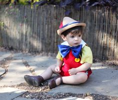 little boy Halloween costume. Peyton has the perfect hair for Pinocchio Creative Costumes, Cute Costumes, Disney Costumes, Baby Costumes, Halloween Costumes For Kids, Cosplay Costumes, Boy Halloween, Homemade Halloween, Outdoor Halloween