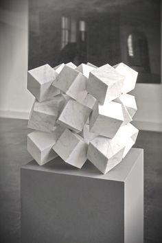 abstraction of cube Modern Art Sculpture, Geometric Sculpture, Abstract Sculpture, Geometric Designs, Geometric Shapes, Art Cube, Instalation Art, 3d Modelle, Cube Design