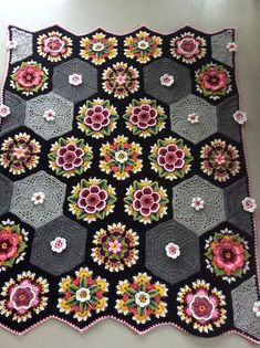 Crochet Projects Ravelry: Project Gallery for Frida's Flowers Blanket pattern by Jane Crowfoot Art Au Crochet, Crochet Motifs, Crochet Flower Patterns, Afghan Crochet Patterns, Crochet Squares, Crochet Designs, Crochet Crafts, Crochet Flowers, Crochet Projects